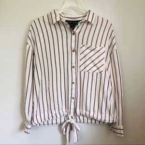 NWT Polly & Esther Button Down Tie Front T…